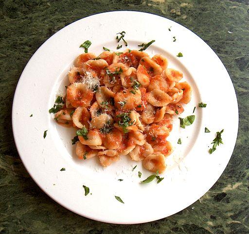 Orecchiette al pomodoro - photo by P. Turo